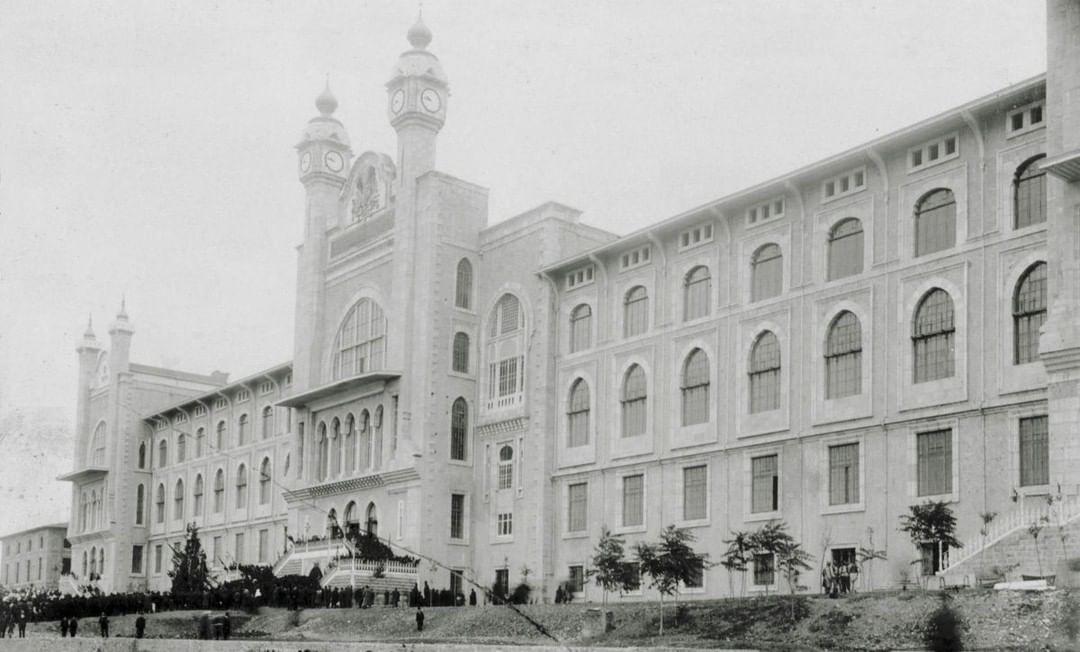 Ottoman Imperial School of Medicine, Istanbul, 1903  Mekteb-i Tıbbiye-i Şahane, ...
